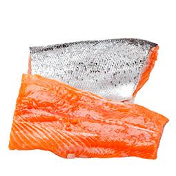 Trozos de ventresca de salmón salar sin piel