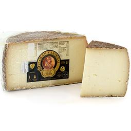 Medios quesos de oveja cruda Gran Cardenal