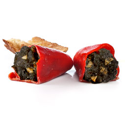 Pimientos del piquillo aretesanos rellenos de chipirón en su tinta